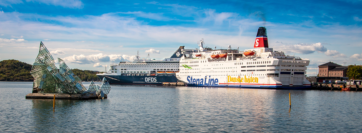 Providing ferries with shore power